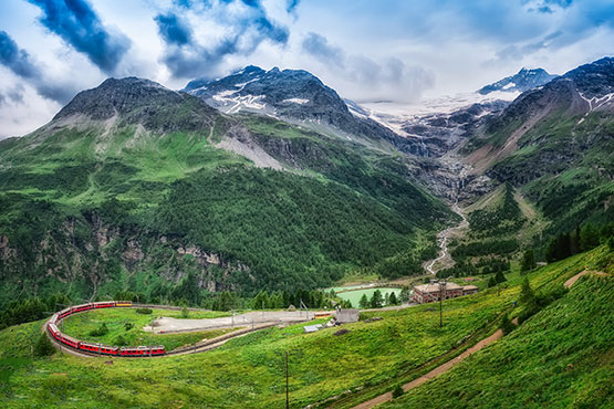 Bernina Express – from towering glaciers to swaying palms